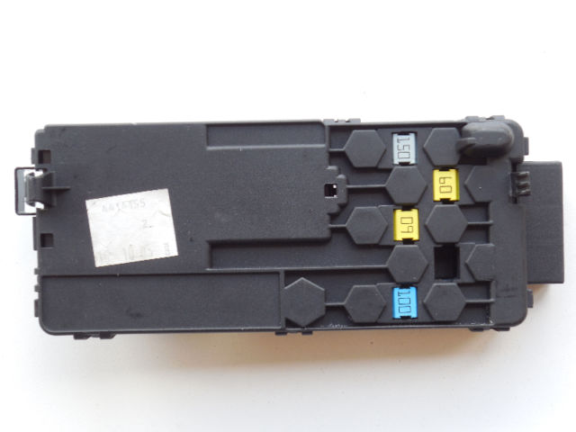 mercedes ml350 gl450 r500 2004 2012 oem fuse box 2115452601. Black Bedroom Furniture Sets. Home Design Ideas